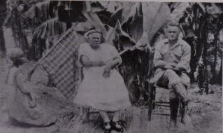 WIRKUS, FAUSTIN & TANEY DUDLEY. - De blanke negerkoning. Hoe een Amerikaansche sergeant der mariniers op het eiland La Gonave tot koning werd gekroond. Met een voorrede van William B. Seabrook. Vertaald door J.L.J.F. Ezerman.